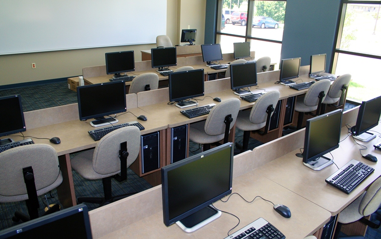 Maquoketa Center Computer Lab